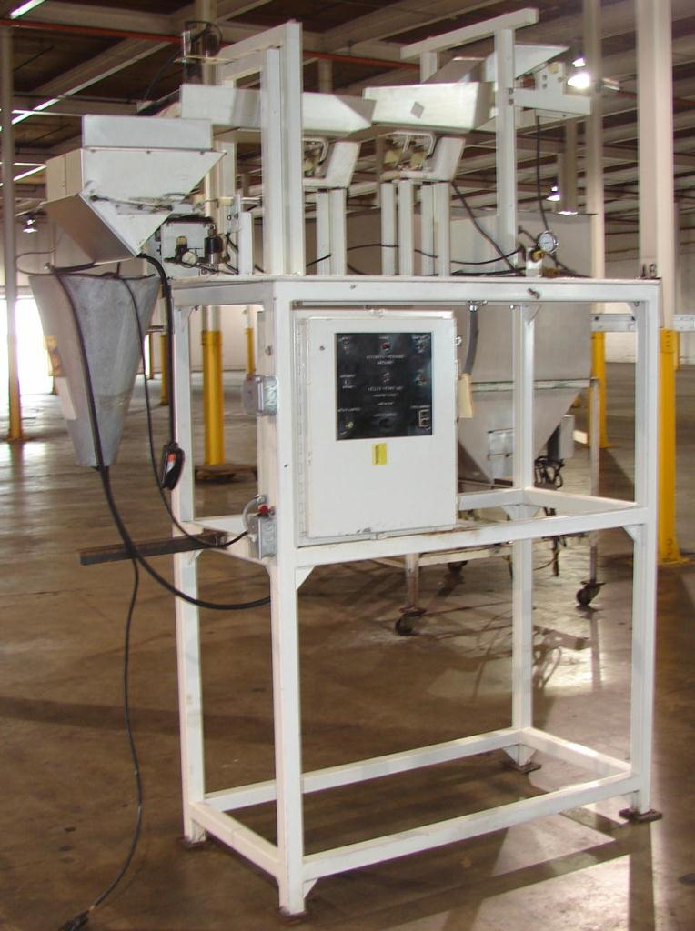 Kelly Perry Semi-automatic bag filler