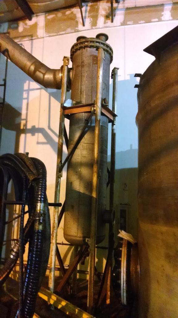 10 sq meter stainless steel vertical thin film evaporator.2