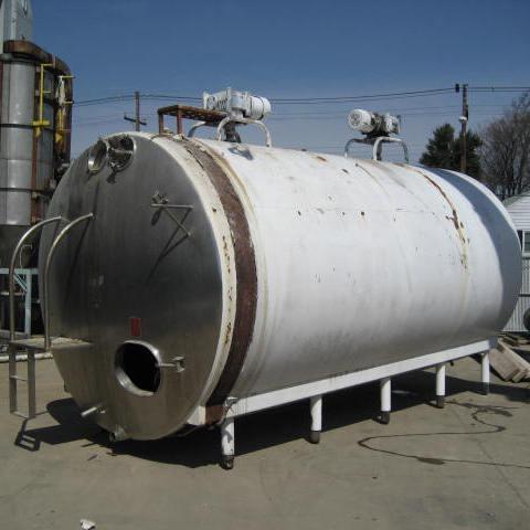 6000 gallon horizontal tank, stainless steel, dimple jacket, (2) 2 hp agitators1