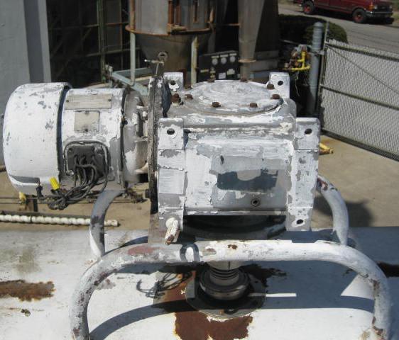 6000 gallon horizontal tank, stainless steel, dimple jacket, (2) 2 hp agitators6
