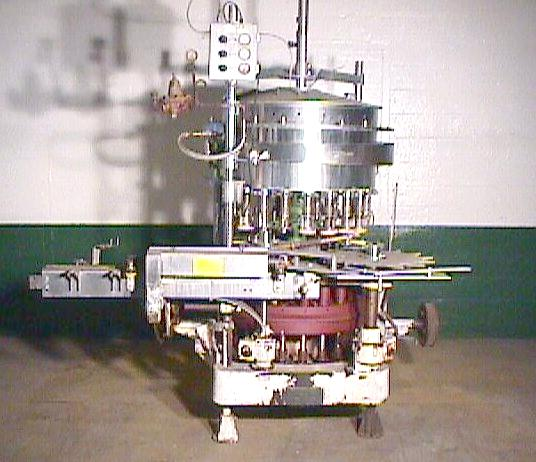 Filler 21 valve Horix liquid gravity filler model HBSG21-DA, 4.5 centers, up to 200 cpm1