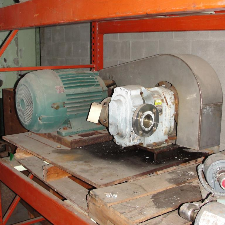 Pump 2.5 inlet Waukesha positive displacement pump model 125, 20 hp, 316 SS