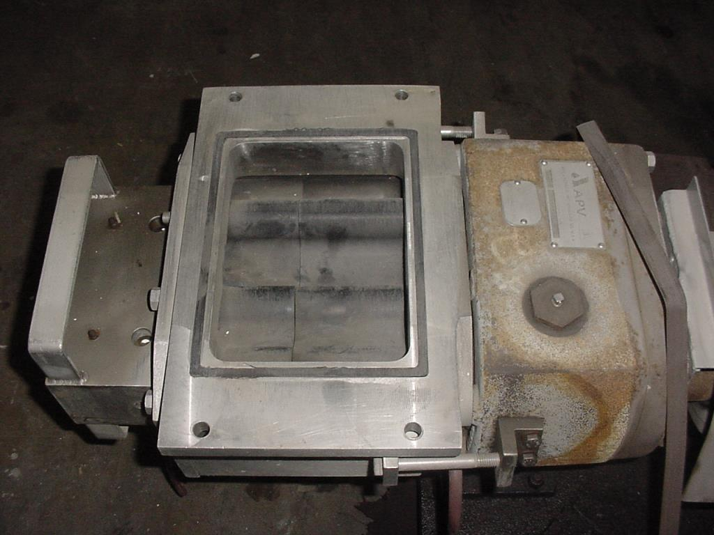 Pump APV positive displacement pump model R700RI, 20 hp, 316 SS2