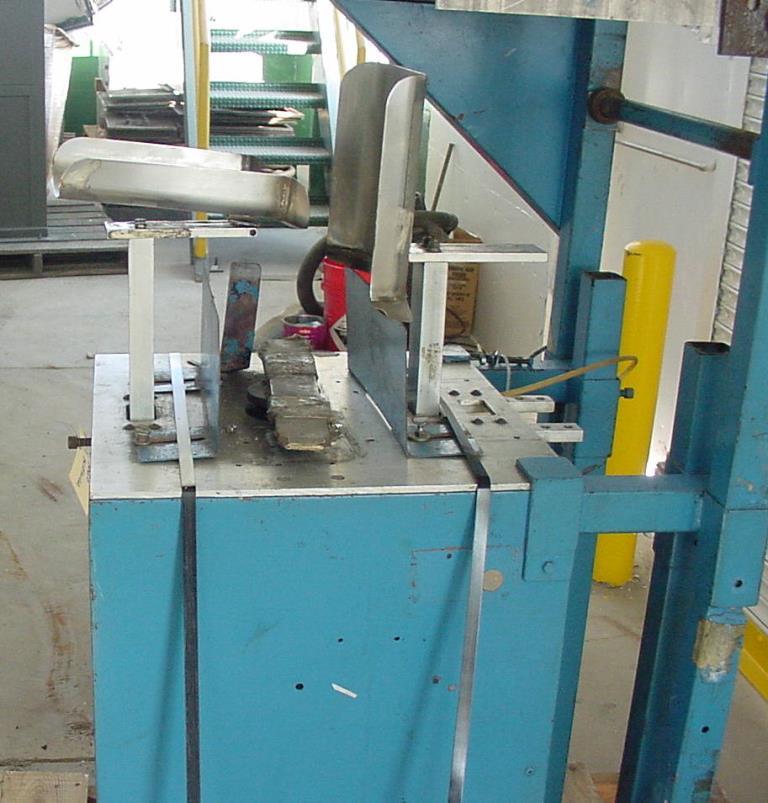 Labeler PTI heat shrink labeler model 25R2