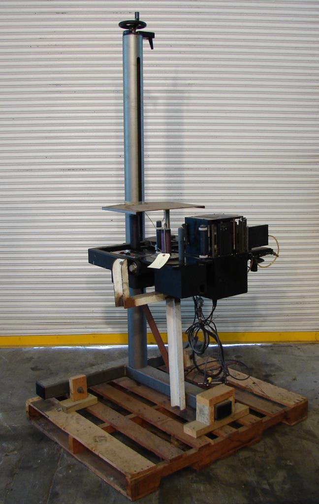 Labeler Willett pressure sensitive labeler model 2600 series 2, Tamp On