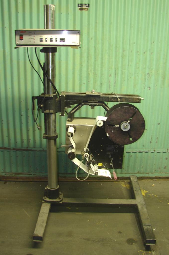 Labeler Willett pressure sensitive labeler model 2300, wipe- on