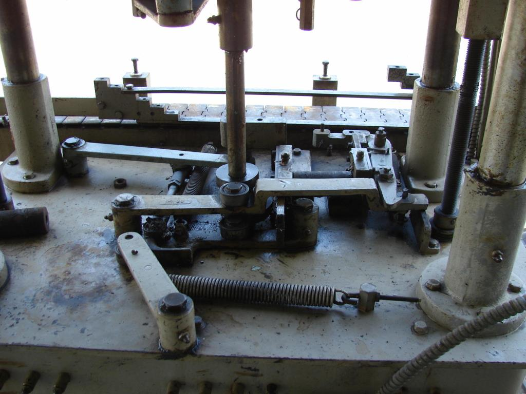 Capping Machine Resina screw capper model S20, 43 mm, up to 30 cpm4