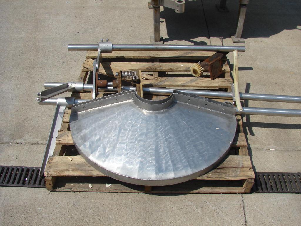 Filler 9 valve Horix liquid gravity filler 10 centers2