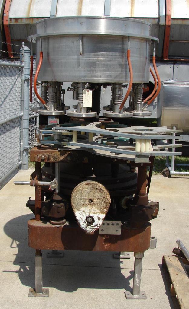 Filler 9 valve Horix liquid gravity filler 10 centers5