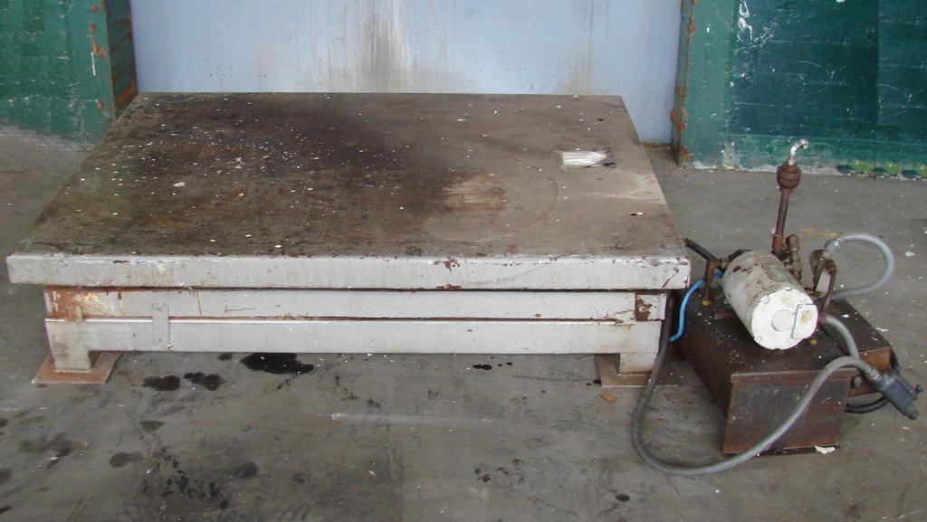 Material Handling Equipment scissor lift table, 47 x 63 platform1