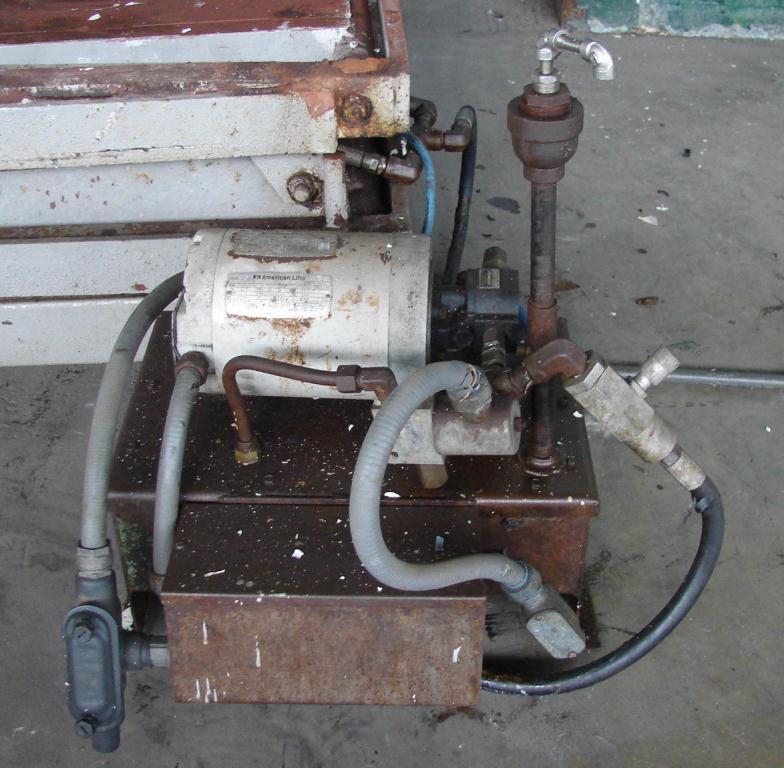 Material Handling Equipment scissor lift table, 47 x 63 platform2