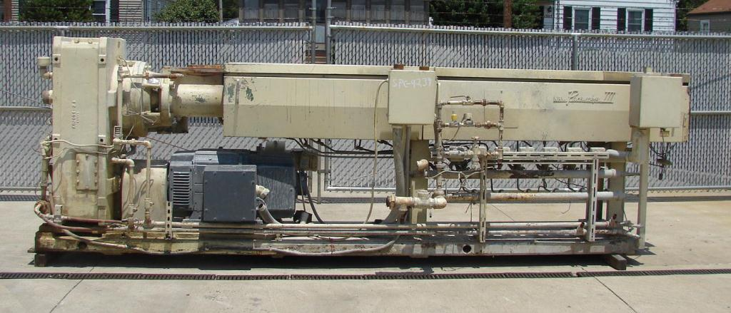 Extruder 4.5 NRM plastic extruder model Pacemaker III, 200 hp DC drive, L/D 34:11