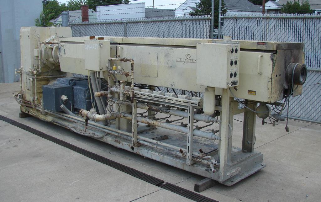 Extruder 4.5 NRM plastic extruder model Pacemaker III, 200 hp DC drive, L/D 34:12