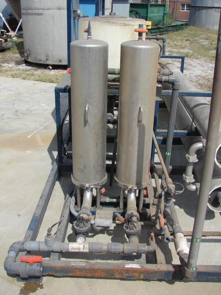 Filtration Equipment Interlake Water Systems Co. reverse osmosis filter, up to 31 gpm flow rate, 2 prefilters3