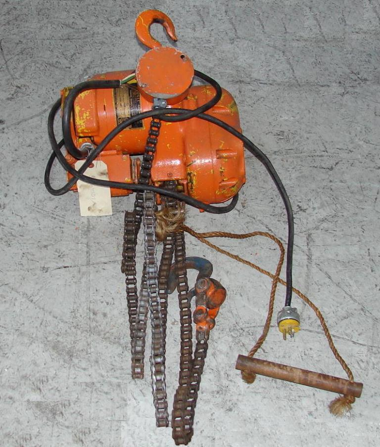 Material Handling Equipment chain hoist, 500 lbs. Budgit model 12511
