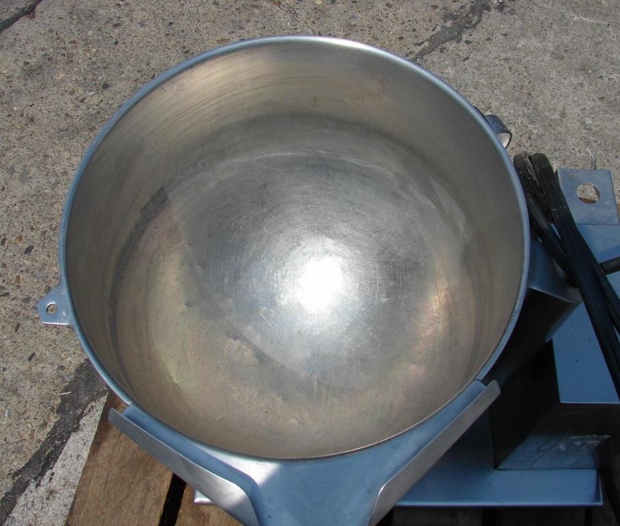 Kettle 10 gallon Groen hemispherical bottom kettle, 50 psi jacket rating, Stainless Steel Contact Parts2