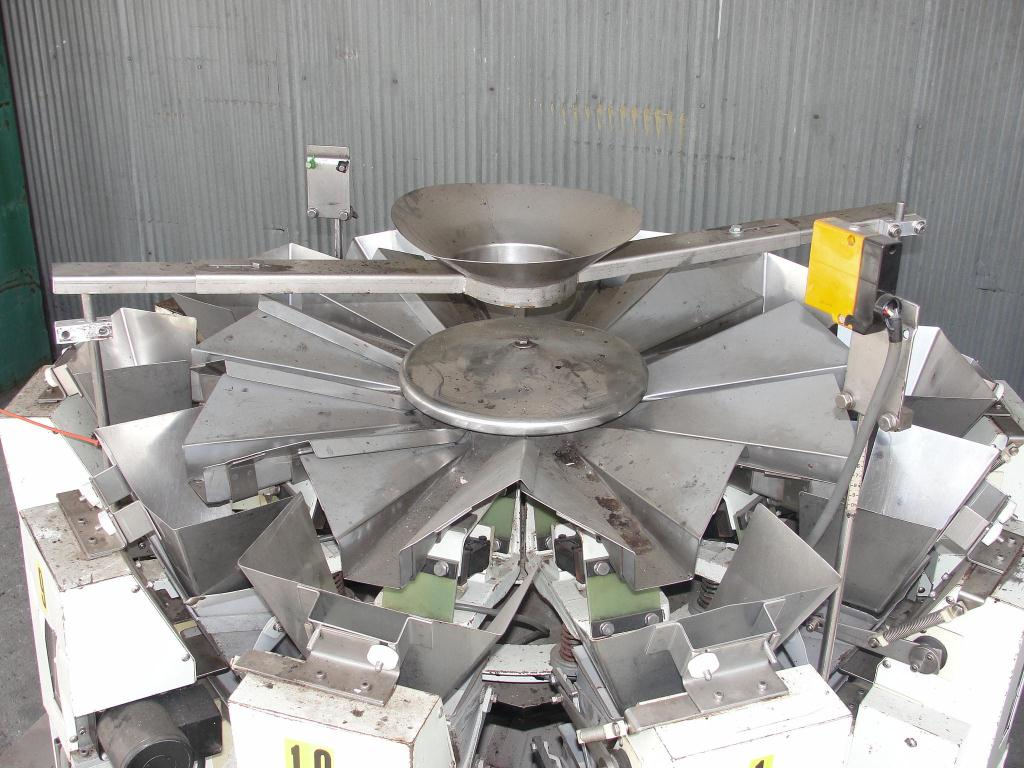 Scale 10 bucket Ishida multihead combination weigher model CCW 200LC, Stainless Steel Contact Parts, 0 g -266 g/cycle weigher capacity3