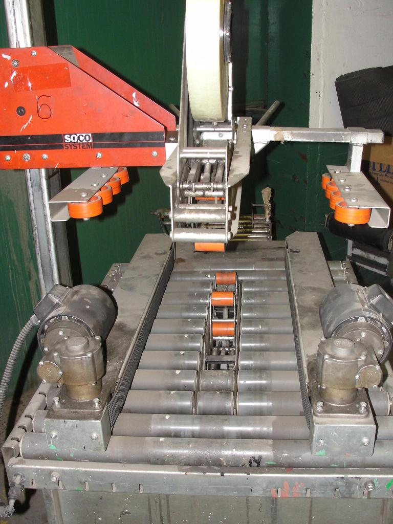 Case Sealer Soco top and bottom case taper model T-100, speed 30 cpm2