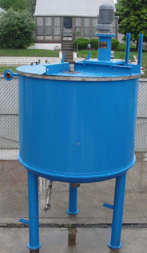 Tank 600 gallon vertical tank, Stainless Steel Contact Parts, 21.7 psi @ 248° F jacket, 1.5 hp agitator, dish bottom5