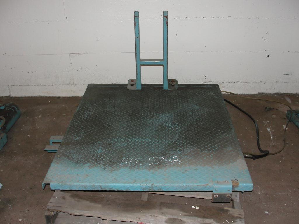 Material Handling Equipment scissor lift table, 40 x 47 platform1
