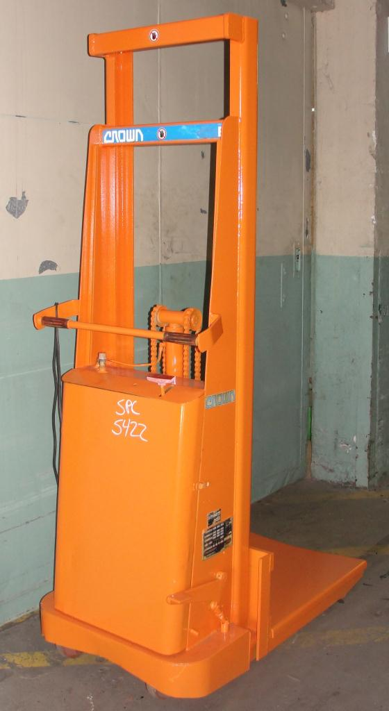 Material Handling Equipment 1500 lbs capacity Crown drum lift model 15B, 67 lift height3