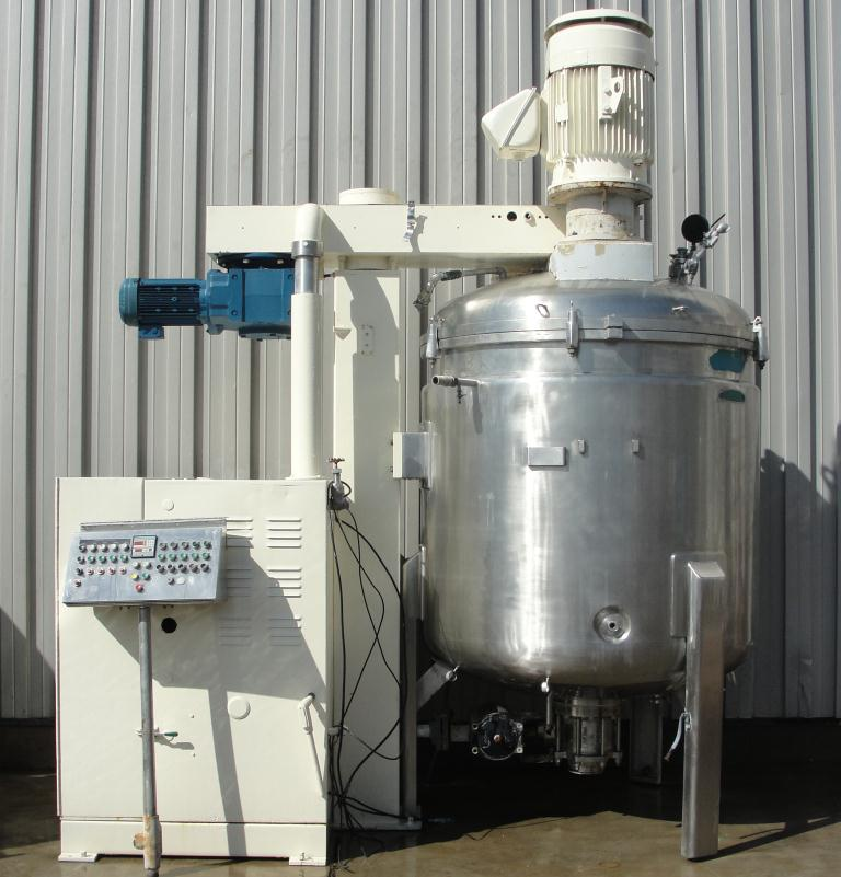 Mixer and Blender 2400 liters capacity Fryma vacuum mixer model VME-2400, side scraping/dispersion agitator agitator, +/- 1 bar @ 150 c internal, 2 bar @ 150 c jacket1