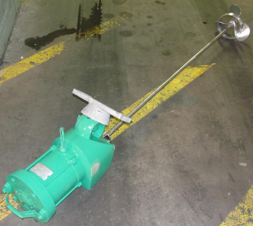 Agitator .75 hp electric Lightnin clamp-on agitator, model ND2A1