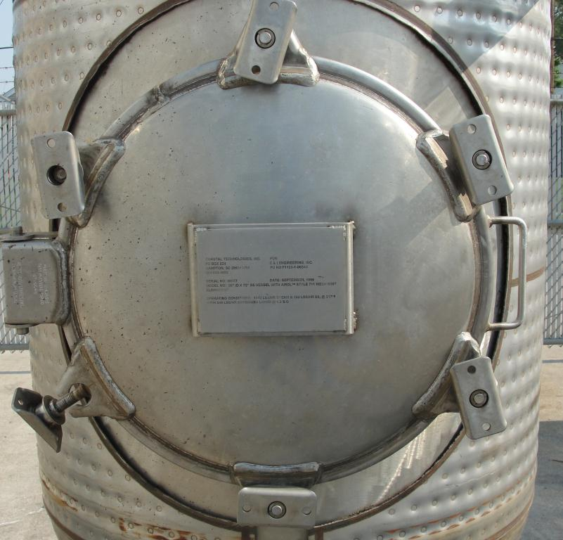 Tank 375 gallon vertical tank, Stainless Steel, 150 psi @ 400° F jacket, dish bottom9