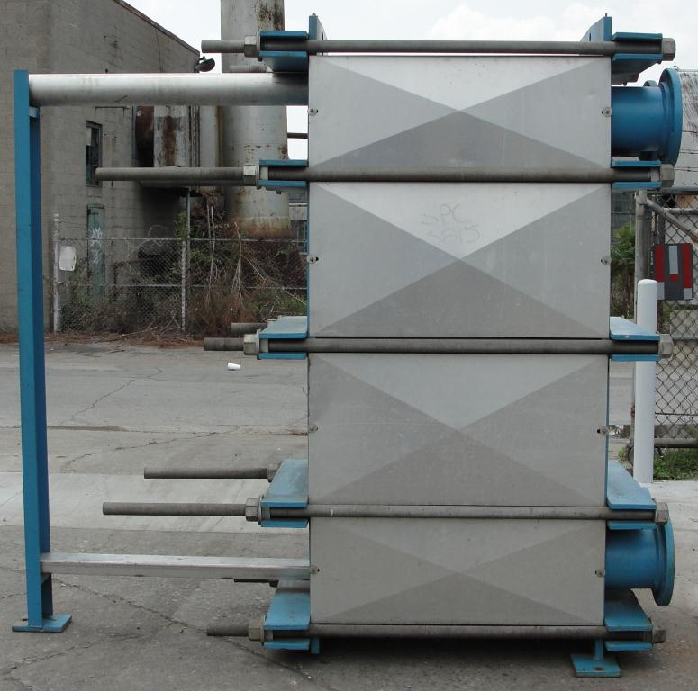 Heat Exchanger 1922 sq.ft. Tranter plate heat exchanger, Stainless Steel2