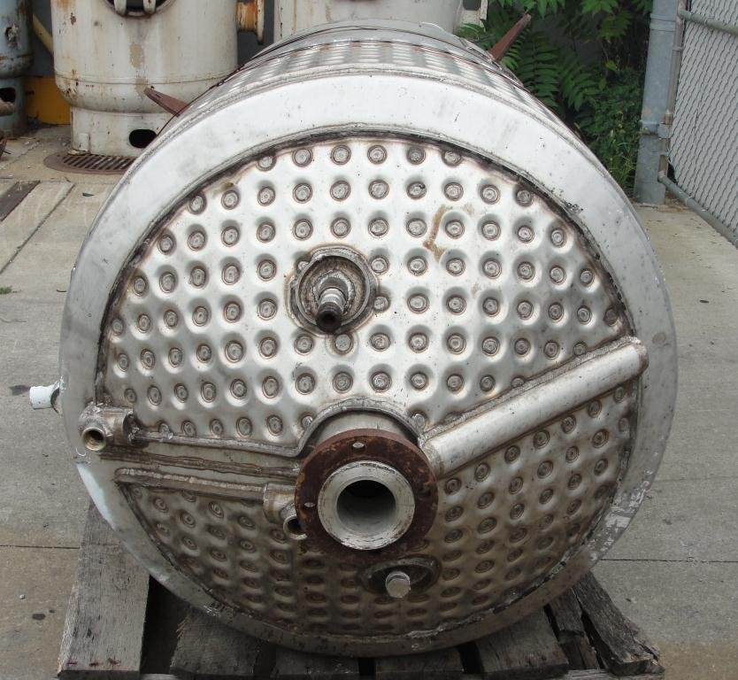 Tank 250 gallon vertical tank, Stainless Steel, 25 psi @ 350° F internal, 125 psi @ 350° F half jacket, .75 hp agitator, conical bottom5