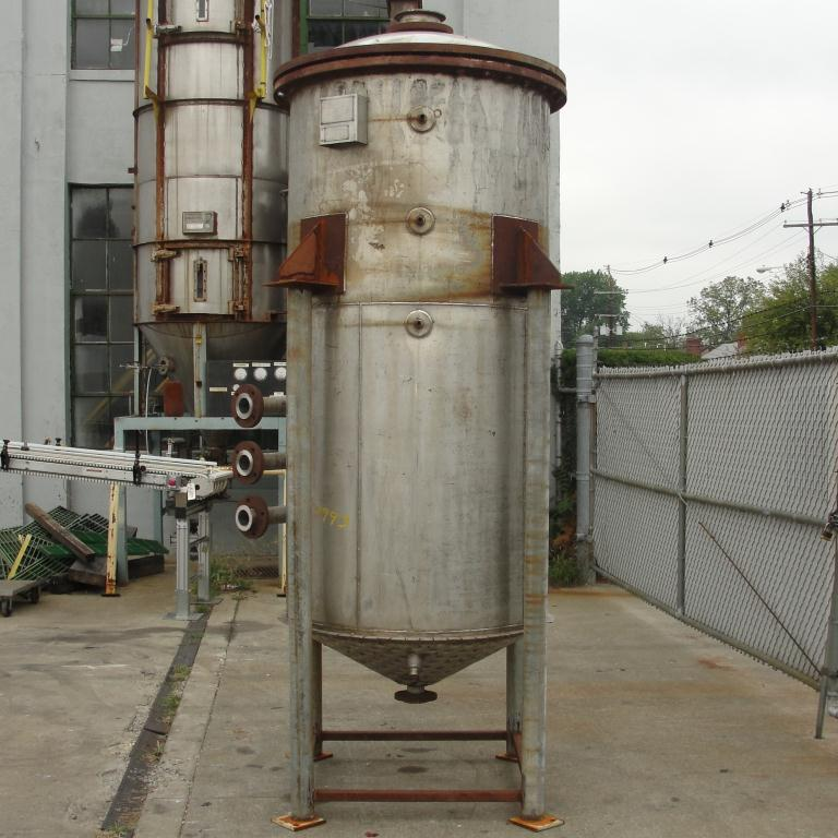 Tank 500 gallon vertical tank, Stainless Steel, 90 psi @ 330° F dimple jacket, conical bottom8