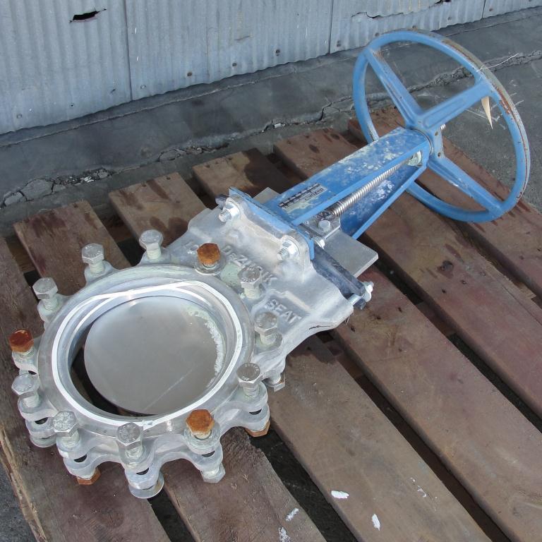 Valve 10 dia Dezurik gate valve, hand wheel, 304 SS1