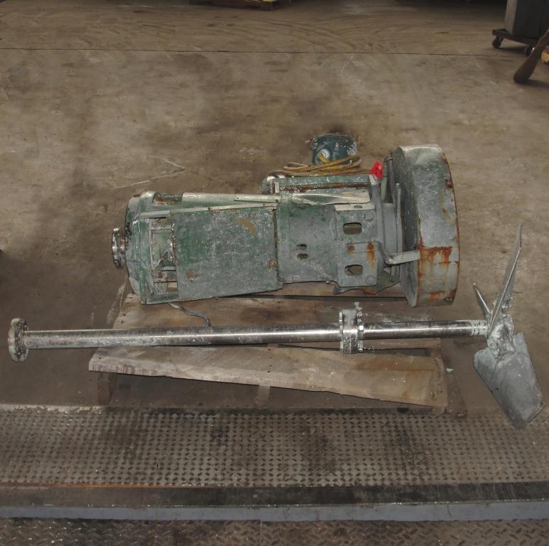 Agitator 10 hp Lightnin side mount agitator model 108VSEDS105