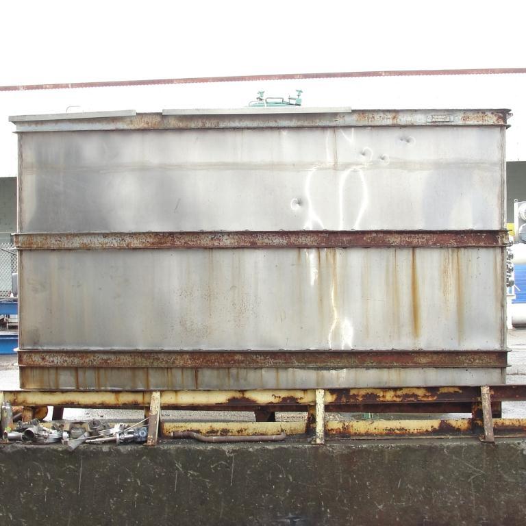 Tank 1000 gallon vertical tank, Stainless Steel, slope bottom2