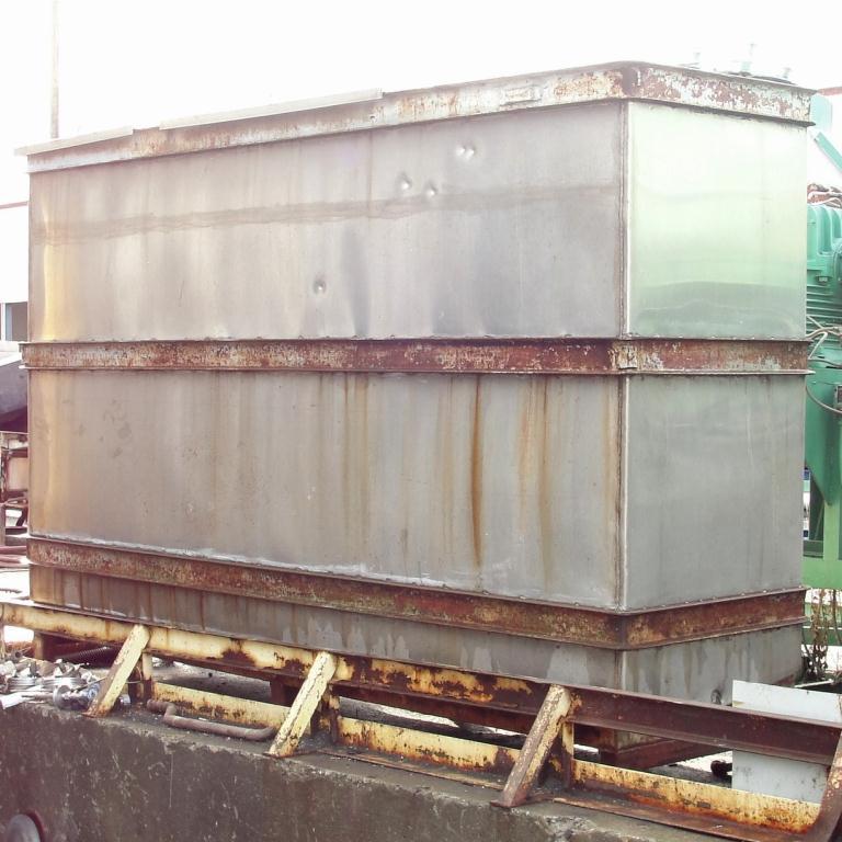Tank 1000 gallon vertical tank, Stainless Steel, slope bottom5