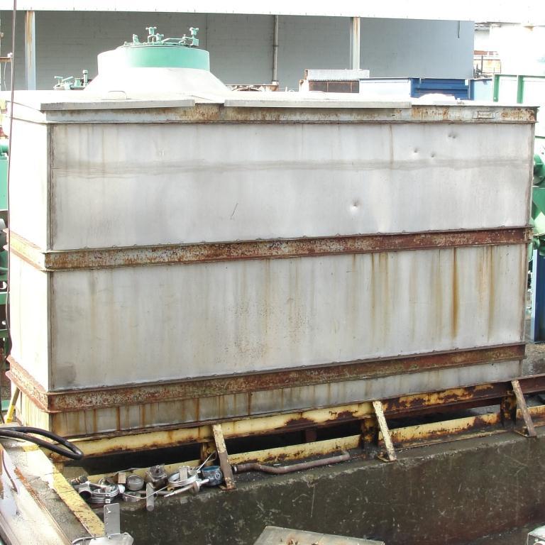 Tank 1000 gallon vertical tank, Stainless Steel, slope bottom6