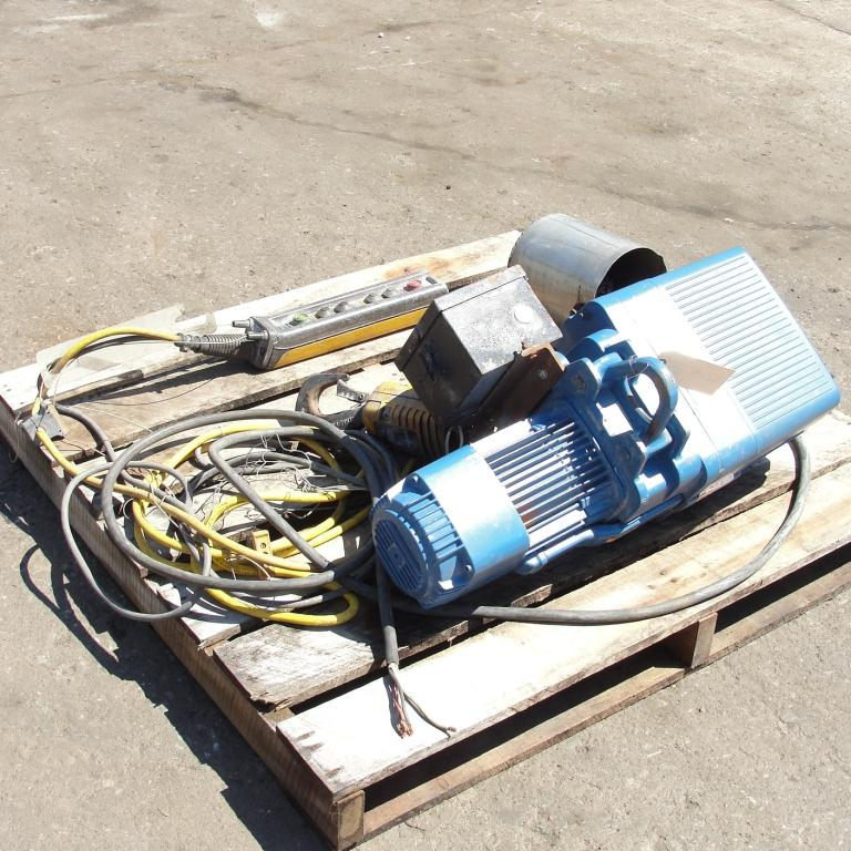 Material Handling Equipment chain hoist, 2000 lbs. Demag 13 long chain4