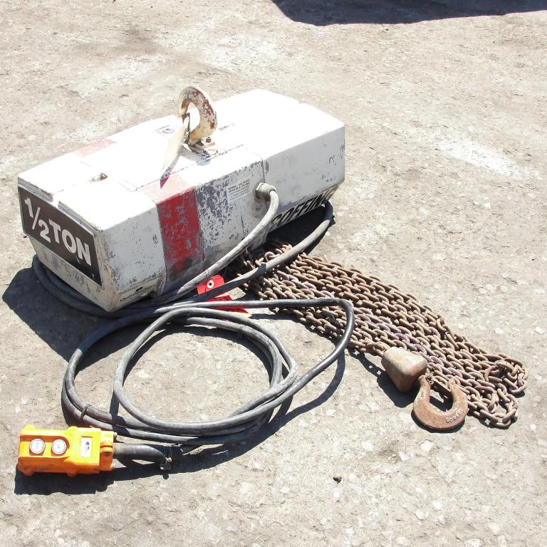 Material Handling Equipment chain hoist, 1000 lbs. Duff-Norton/Amstar model Coffing, 15 long chain1