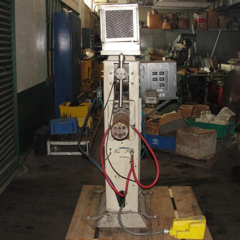 Machine Tool spot welder, 75 KVA capacity, 9 throat3