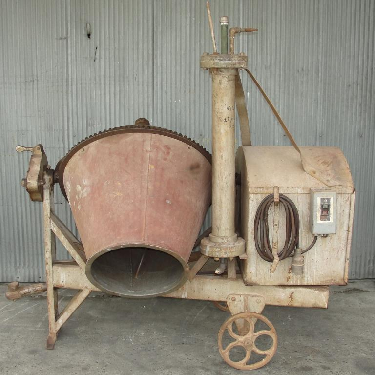 Miscellaneous Equipment concrete mixer 5 Cuft, CS1