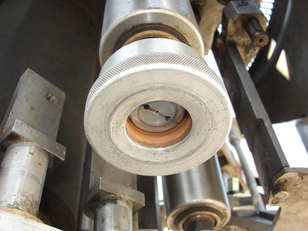 Capping Machine Pneumatic Scale Corp screw capper model Pneuma-Capper, 240 bpm6