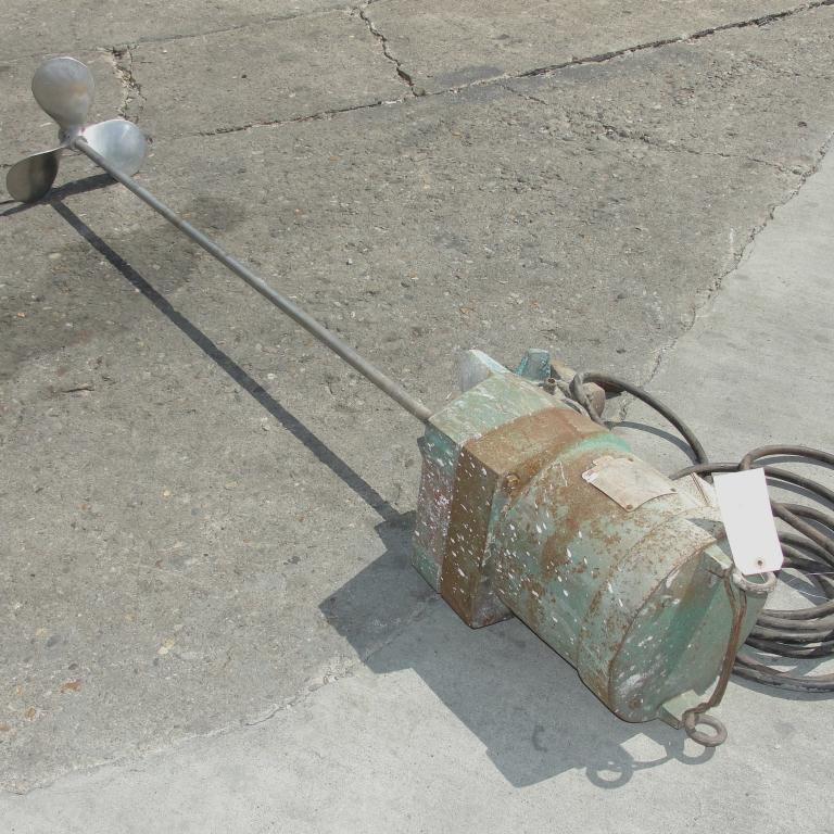 Agitator 2 hp electric Lightnin clamp-on agitator, model NM-2