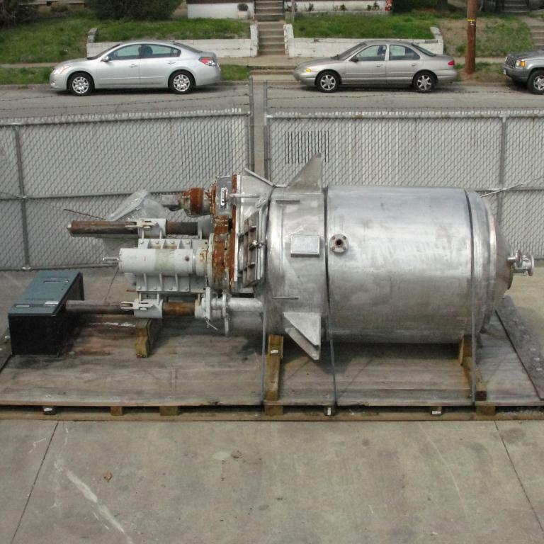 Mixer and Blender 400 gallon capacity Buhler vacuum mixer scrape and dispersion agitator, FV and 3 psi @ 250°F internal, 50 psi @ 250°F jacket