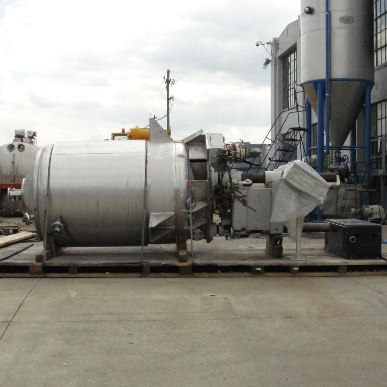Mixer and Blender 400 gallon capacity Buhler vacuum mixer scrape and dispersion agitator, FV and 3 psi @ 250°F internal, 50 psi @ 250°F jacket3