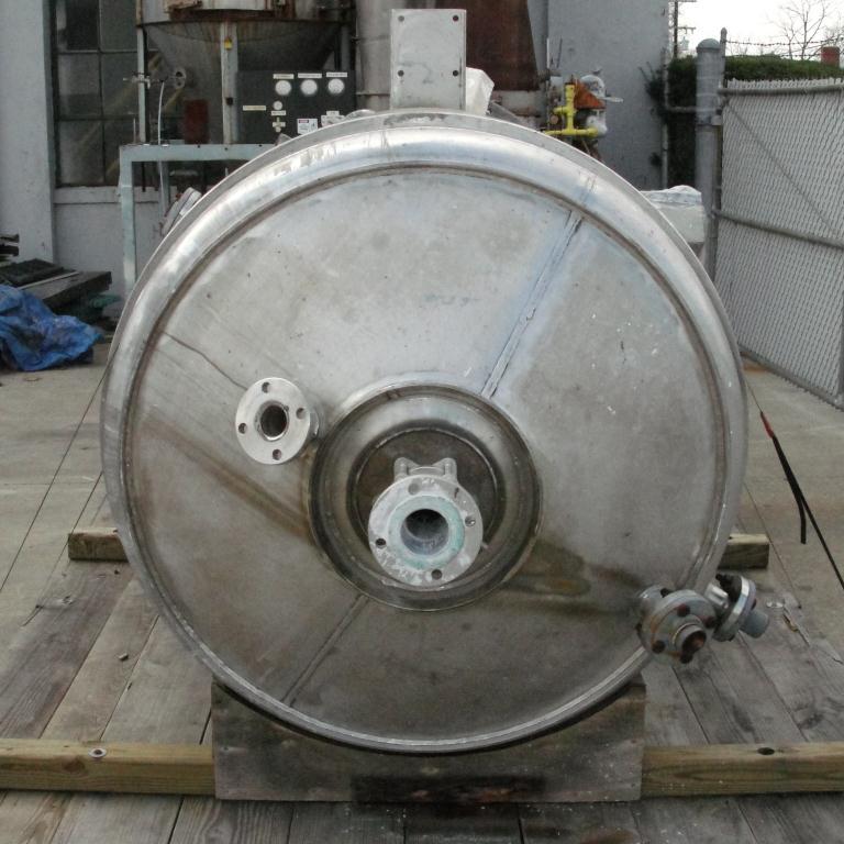 Mixer and Blender 400 gallon capacity Buhler vacuum mixer scrape and dispersion agitator, FV and 3 psi @ 250°F internal, 50 psi @ 250°F jacket6
