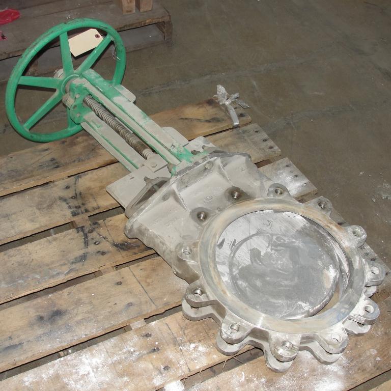 Valve 12 Rovalve gate valve, hand wheel, 316 SS1