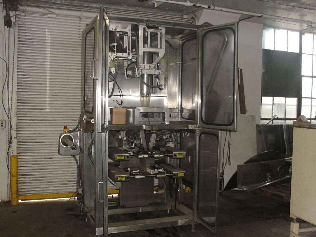 Form Fill and Seal Cryovac vertical form fill seal model 2000B, 6 to 12 w x 8 to 24 l, 30 ppm2