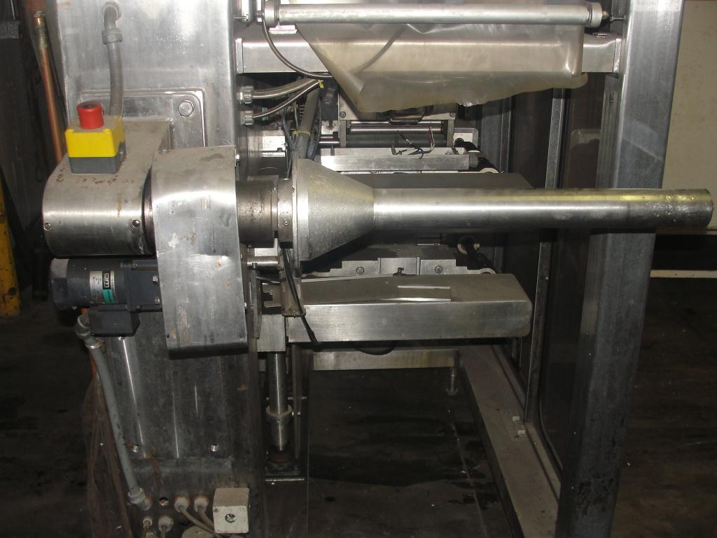Form Fill and Seal Cryovac vertical form fill seal model 2000B, 6 to 12 w x 8 to 24 l, 30 ppm8