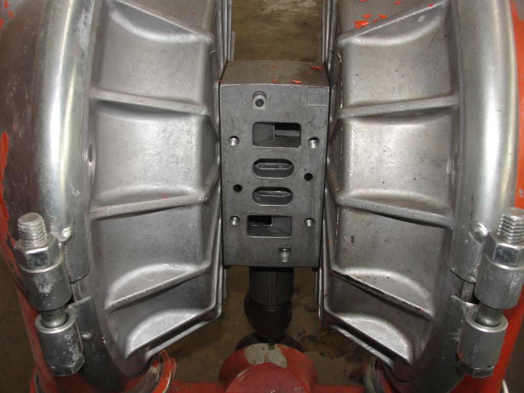 Pump 3 Wilden diaphragm pump, Aluminum5