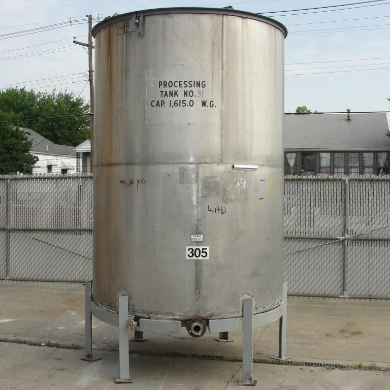 Tank 1615 gallon vertical tank, 304 SS, slope bottom1
